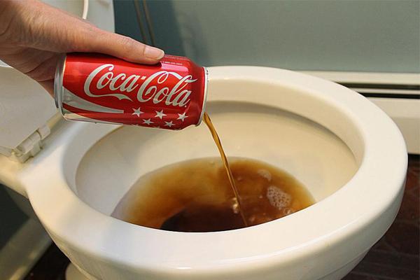 Sử dụng coca cola